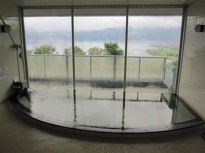 ハイウェイ温泉諏訪湖は高速道路直結のお風呂です